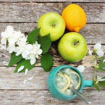 Jasmine & Green Apple (type)